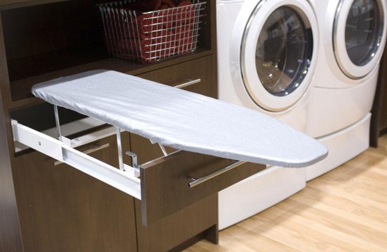 Cocinas lanzarote modulan muebles de cocina y armarios - Mueble para guardar tabla de planchar ...